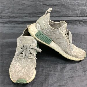 Adidas NMD R1 digital camo gray/green sneakers sz8